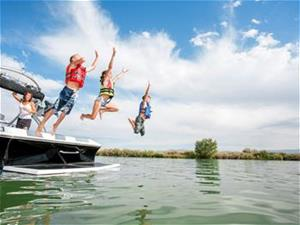 Boating_Children_Fotolia_140119392