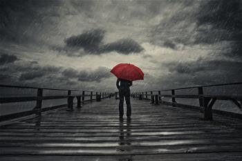 Umbrella in Storm -M